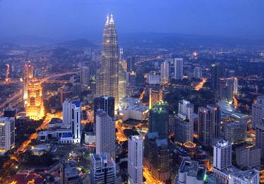 MY01038 Petronas Twin Towers from KL Tower, Kuala Lumpur, Malaysia
