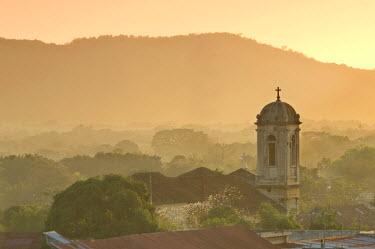 NI01006 Church, Leon, Nicaragua