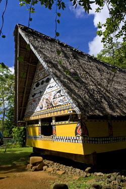 MI01007 Museum Bai (traditional men's meeting house), Koror, Palau, Micronesia