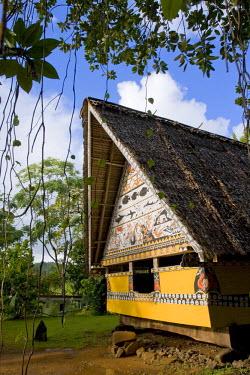 MI01015 Museum Bai (traditional Palauan mens meeting house), Koror, Palau, Micronesia