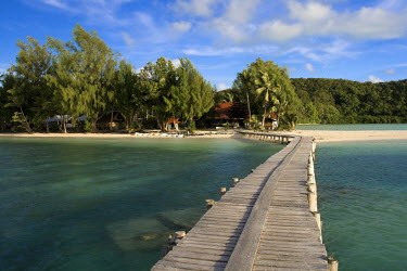 MI01018 Jetty, Carp Island Resort, Palau, Micronesia