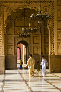 PK02026 Badshahi Mosque, Lahore, Pakistan