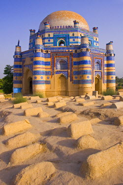 PK02035 15th century Mausoleum of Bibi Jawindi, Uch Sharif, Pakistan