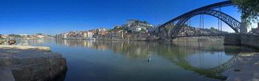 PT02044 River Douro & Dom Luis I Bridge, Porto, Portugal