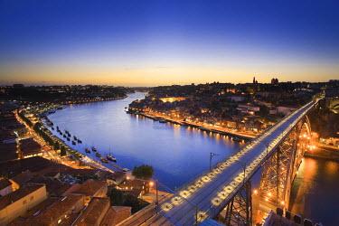 PT02077 Ponte D. Luis I and Douro river, Porto (UNESCO World Heritage), Portugal