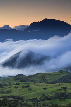 RE01059 Reunion Island, Bourg Murat, Plaine-des-Cafres, landscape towards the Piton des Neiges