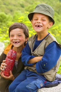 RM01105 Portrait of a two boys, Romania