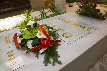 SB01018 Serbia, Belgrade, Gravesite of Joseph Broz Tito (1902, 1980) former dictator of Yugoslavia in the House of Flowers