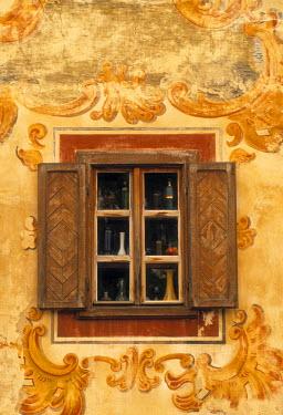 SK02011 Window detail, Bardejov, Saris region, East Slovakia