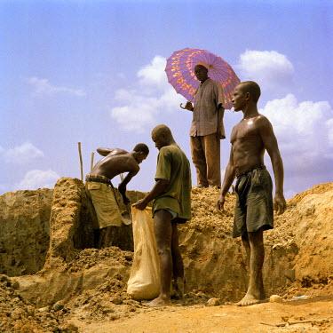 SR01015 Diamond Mines, Kono River, Eastern Sierra Leone