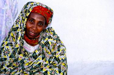 SU002BEW Woman, Delgo, Sudan