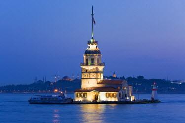 TK01199 Kizkulesi (Maiden's Tower), Bosphorus river, Istanbul, Turkey