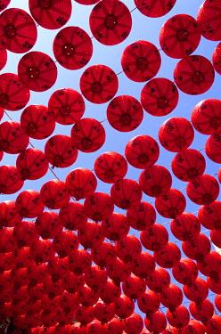 TPX11068 Taiwan, Kaohsiung, Cijin Island, Chinese Lanterns at Tianhou Temple