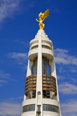 TR014RF Turkmenistan, Ashgabat, (Ashkhabad), Arch of Neutrality with 12m high gold statue of Niyazov