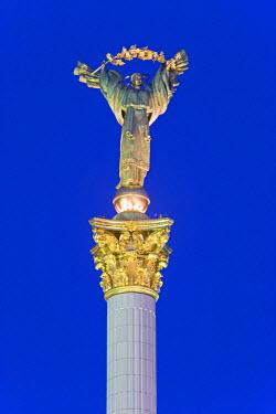 UA01067 Maidan Maydan Nezalezhnosti statue, Independence Square, Kiev, Ukraine