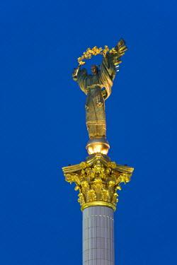 UA01096 Maidan Maydan Nezalezhnosti statue, Independence Square, Kiev, Ukraine