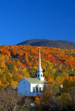 US26032 Church, Stowe, Vermont, New England, USA