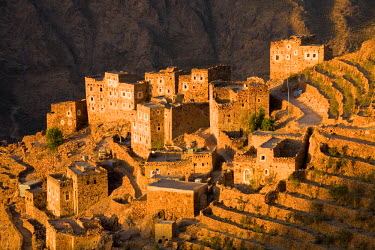 YM01064 Shahara, Haraz Mountains, Yemen