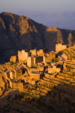 YM01065 Shahara, Haraz Mountains, Yemen