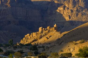 YM01129 Karn Majed, Wadi Hadhramawt, Yemen