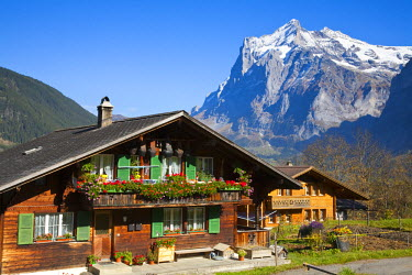 CH02415 Traditional Houses, Wetterhorn & Grindelwald, Berner Oberland, Switzerland