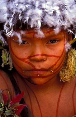 SA20_GJE0009_M Venezuela, Parima Tapirapeco National Park. Yanomamo Tribesgirl
