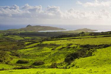 IE02302 Landscape near Allihies, Beara Peninsula, Co. Cork & Co. Kerry, Ireland