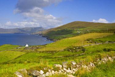 IE02301 Landscape near Allihies, Beara Peninsula, Co. Cork & Co. Kerry, Ireland