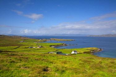 IE02298 Landscape near Allihies, Beara Peninsula, Co. Cork & Co. Kerry, Ireland