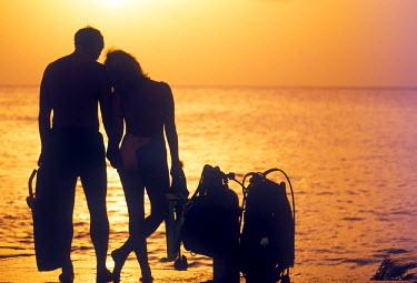 CA42_GJO0116_M Sunset diving, Grand Cayman, Cayman Islands, Caribbean (MR)
