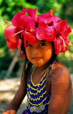 SA15_SPI0008_M Panama, Soberania Forest National Park, Young Embera Indian