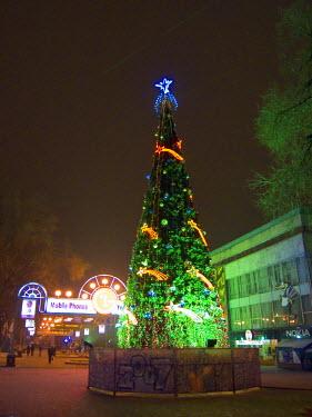 AS41_AKA0002_M Lit Christmas tree in Almaty, Kazakhstan