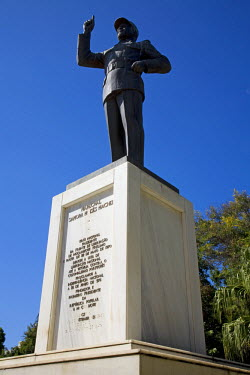 MOZ1316 Mozambique, Maputo. A statue of Samora Machel on thge Praca de Independencia. Samora was Mozambiques first president. Maputo is the capital of Mozambique. It is a bustling, attractive port city with a...