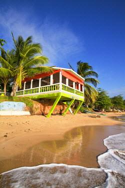 NI01117 Nicaragua, Corn Islands, Little Corn Island, Beach bar