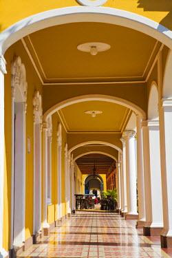 NI01174 Nicaragua, Granada, Park Colon, Park Central,