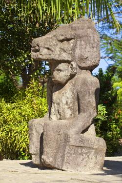 NI01276 Nicaragua, Ometepe Island, Altagracia, Ancient statues
