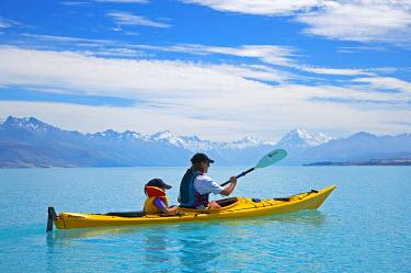 AU02_DWA1955_M Kayak, Lake Pukaki, and Aoraki / Mt Cook, South Canterbury, South Island, New Zealand