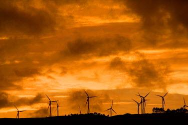 AU02_DWA2237_M Tararua Wind Farm, Tararua Ranges, near Palmerston North, North Island, New Zealand