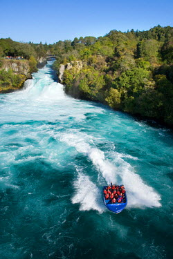 AU02_DWA2437_M Huka Falls and Huka Jet, Waikato River, near Taupo, North Island, New Zealand
