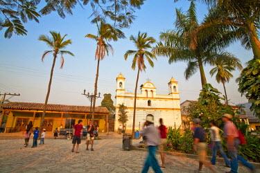 HN01111 Honduras, Copan Ruinas, Parque Central