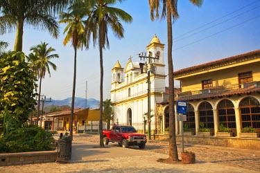 HN01108 Honduras, Copan Ruinas, Parque Central