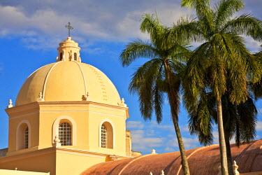 HN01129 Honduras, Tegucigalpa, Plaza Morazan, Park Central, Cathedral