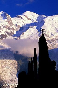 EU09_AWO0000_M France, Alps, Mt. Blanc, Mountaineer