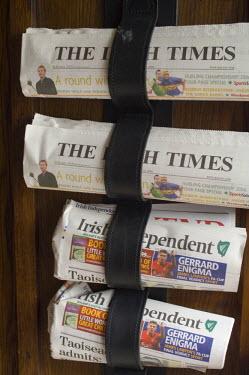 EU15_SPI0050_M Irish newspapers, Ireland.
