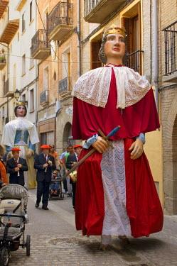 EU27_JMI0060_M Large portable man-carried statues at Fiestas de la Juventud in Puente de Reine village, Navarra, Spain. (MR)