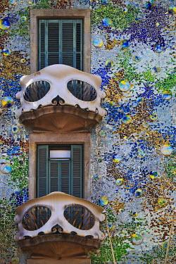 SPA3115 Spain, Cataluna, Barcelona, Eixample, detail of the balconies and facade of Casa Batlo (House of Bones), by the architect Antoni Gaudi