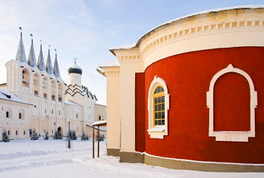 RUS1274AW Bogorodichno-Uspenskij Monastery in winter, Tikhvin, Leningrad region, Russia