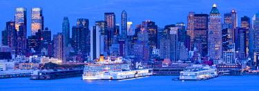 US010657 USA, New York City, Manhattan,  Midtown across Hudson River