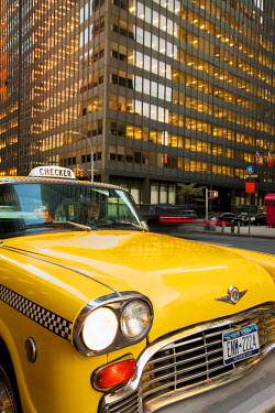 US010734 USA, New York City, Manhattan, Downtown Financial District, Yellow NYC Checker Taxi