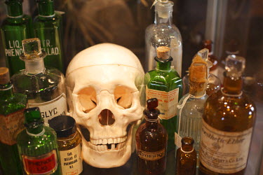 TPX14038 England, London, Southwark, Exhibit of Skull and Poisons in The Old Operating Theatre Museum